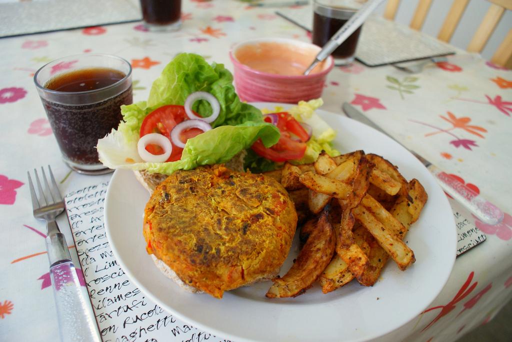 Sweet potato burger with Cajun wedges