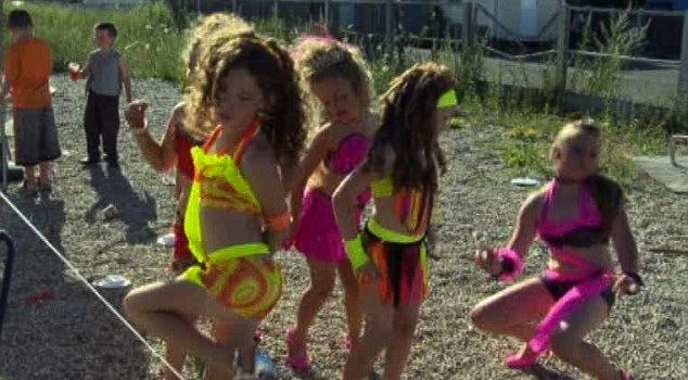 Gypsie slut dancing in bucharest club 3