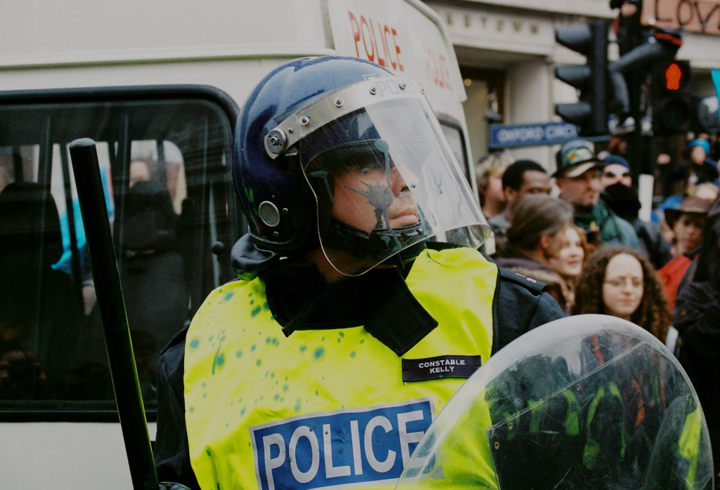 protest london policeman paint