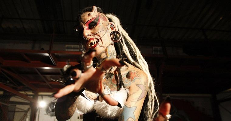 http://www.sickchirpse.com/wp-content/uploads/2012/05/Maria-Jose-Cristerna-hg.jpg