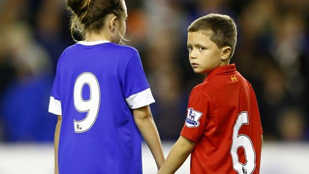 Merseyside United: Everton and Liverpool mascots in Hillsborough tribute