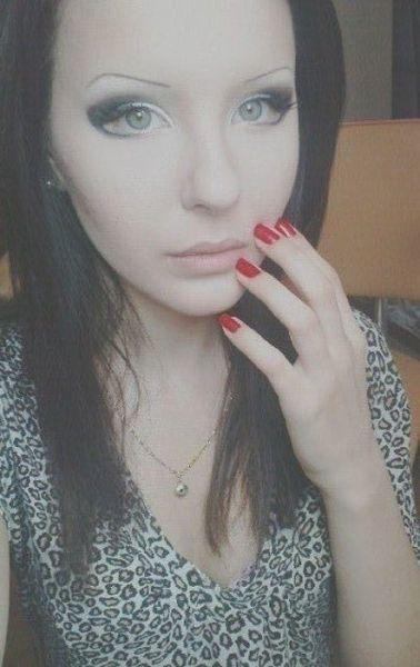 Anastasiya-Shpagina-Ukrainian-real-life-barbie-doll19