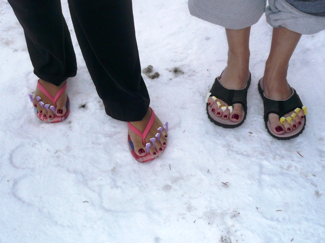 flip flops in winter