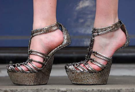heelless_heels