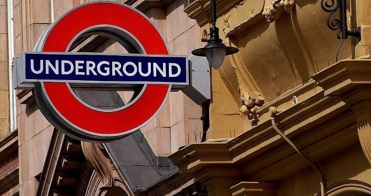 london-underground-sign