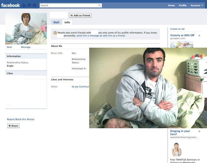 Guy Dresses Up As Facebook Users 3