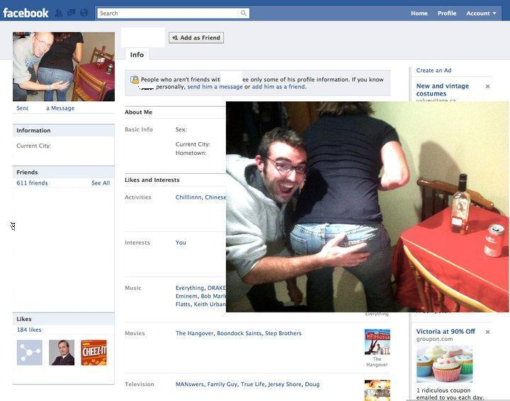 Guy Dresses Up As Facebook Users 4