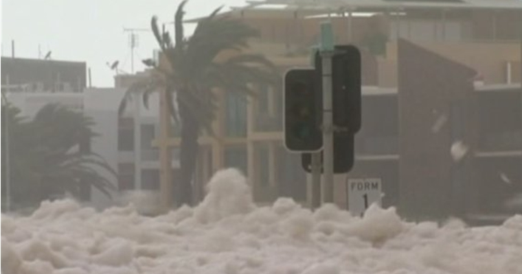Australian Foam Storm Queensland - Traffic Light