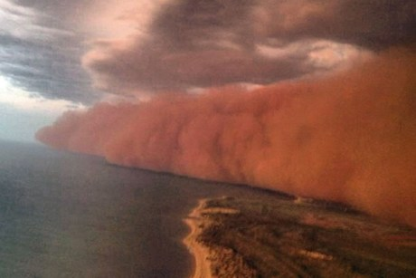 Las espectaculares tormentas de polvo Australian-Sand-Storm-2013-Onslow-From-Plane