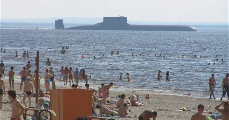 Hilarious Russian Photos - Submarine