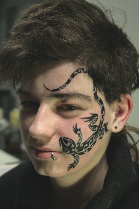 Rouslan Tomumaniantz - Tattoo Face Lizard