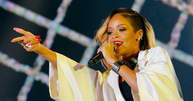 Rihanna Microphone