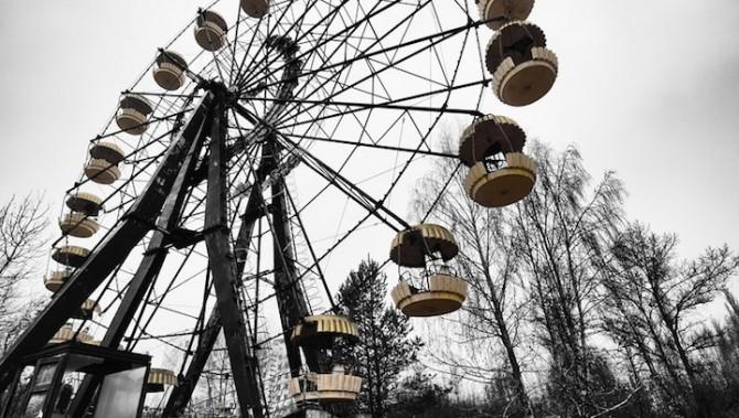 Niki Feijen - UrBex - Abandoned Buildings - Ferris Wheel Prypiat
