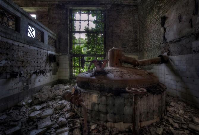 Niki Feijen - UrBex - Abandoned Buildings - Prohibition Brewery