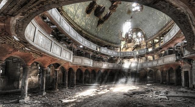Moody Photos of Abandoned