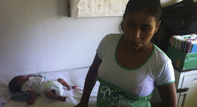 Mexican Woman Gives Birth On Hospital Lawn