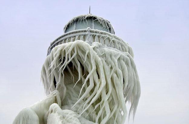 Frozen lighthouse 1