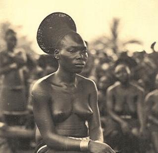 Mangbetu Tribe - Women early photo