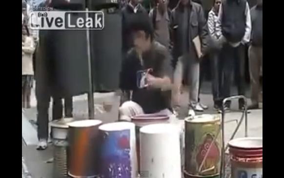 Techno Street Drummer
