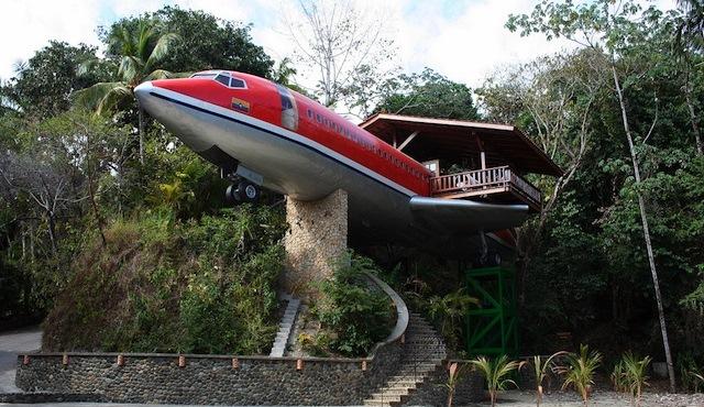 hotel plane
