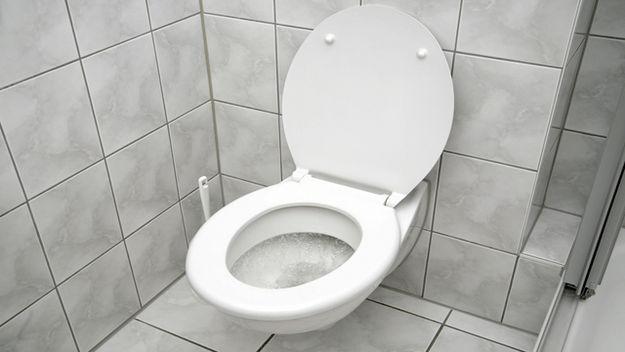 obshestvenniy-muzhskoy-tualet-video