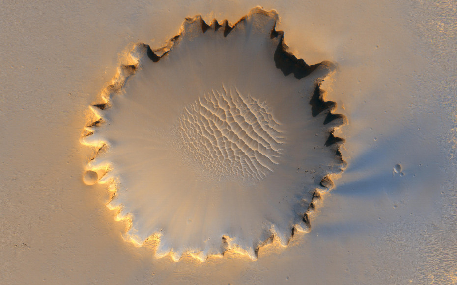 Victoria-crater-Mars-930x581