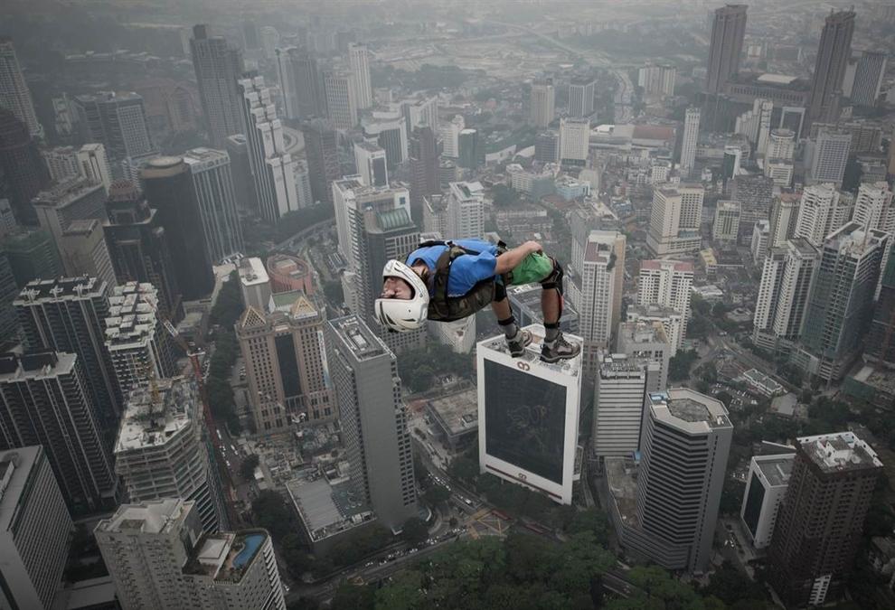base jump balaysia
