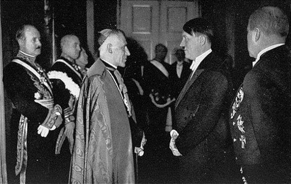 pope pius xi meets hitler
