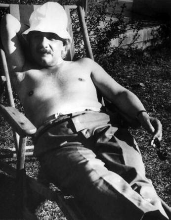Historical Photos - Einstein 1932
