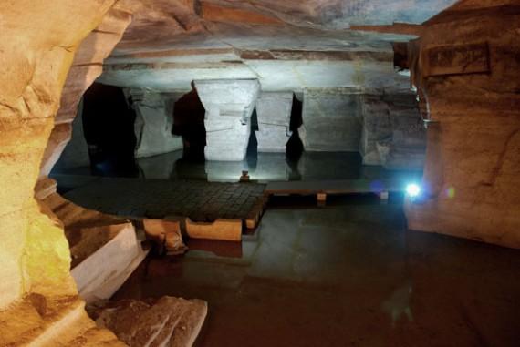 Longyou Grotto - Cave Complex - columns