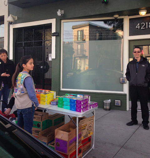 Smartest Kid Ever Sells Girl Scout Cookies Outside
