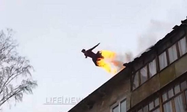 Video Russian Kid Sets Himself On Fire Jumps Off Roof