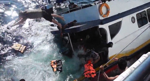 Video Tourist Boat Sinking In Thailand Is Pure Chaos Sick Chirpse