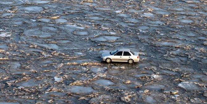 China Bomb Yellow River car 2