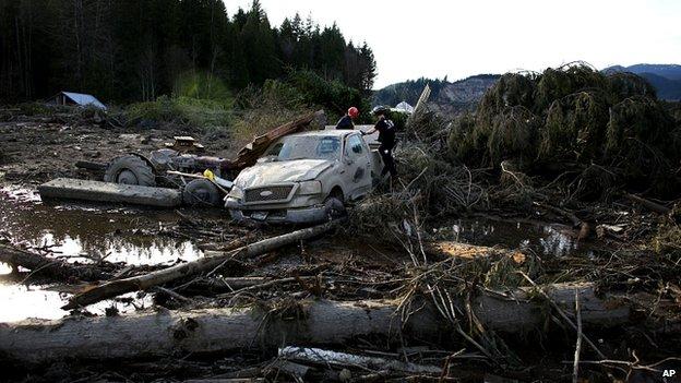 Mudslide - Snohomish County - Oso - rescue