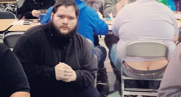 Man Takes Selfies With Butt Cracks At Magic The Gathering Tournament