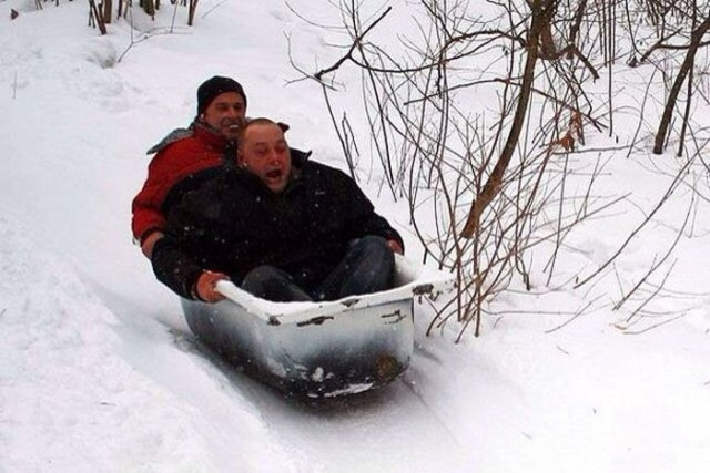 TheAwesome Photos From Russia With Love - bath sledge