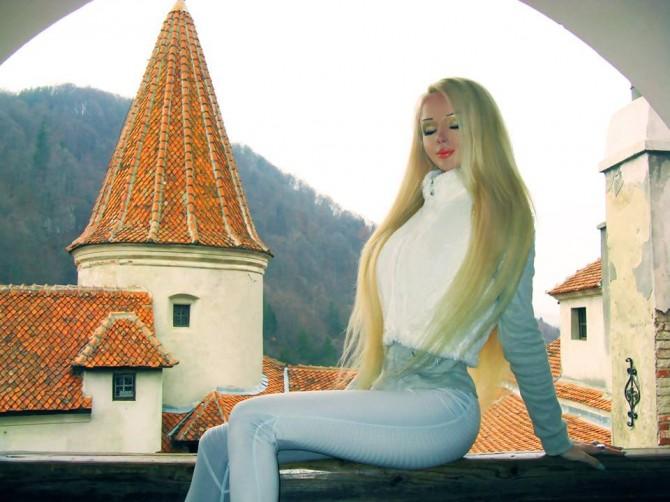 Valeriya Lukyanova - Barbie - Breatharianism 2