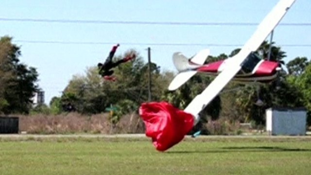 pilot skydiver