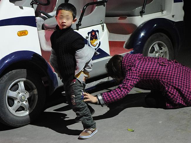 China Baby Hatch - leaving boy