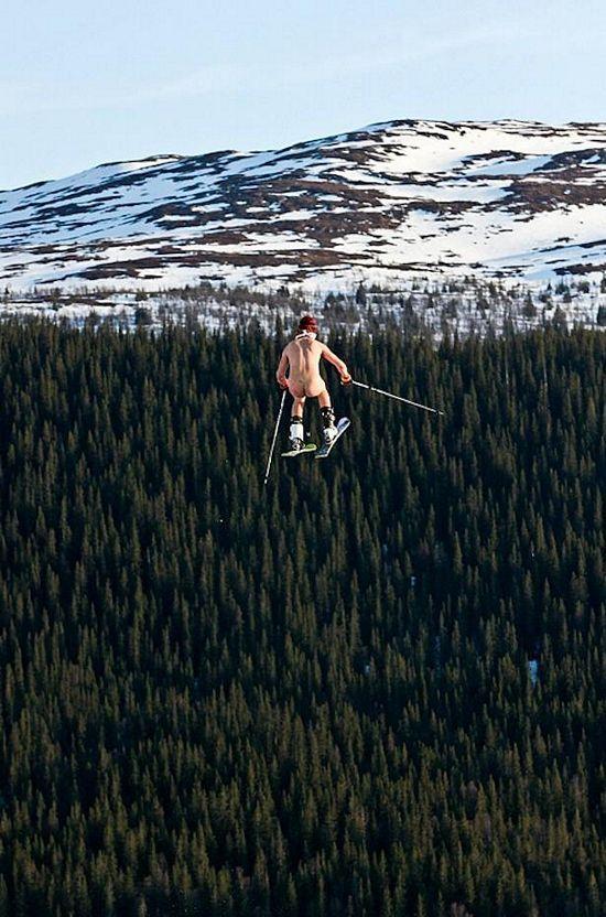 nude ski