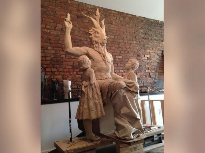 ht_satan_statue_2_kab_140502_4x3_992