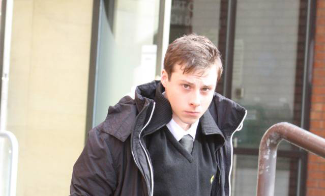 Teen gets 12 months for sending a girl 11400 texts in one month this lad opted for quantity over quality approach when attempting to court a girl named katie hawkins via text message he did go a bit ott with it though ccuart Image collections