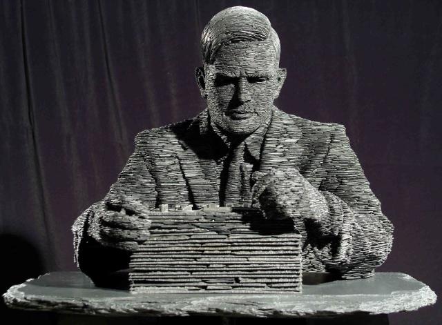 Alan Turing (640x471)