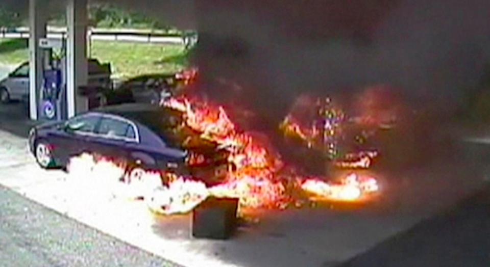 Cop Rescues Old Man Petrol Station Blaze