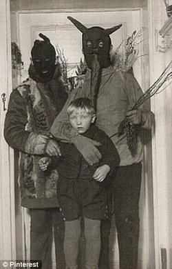 Creepy Old Photographs 16