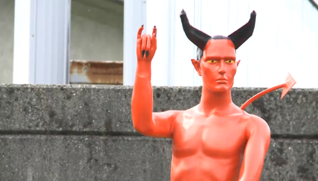 Devil-statue-erection-Vancouver