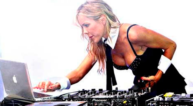 Natalia Paris DJing