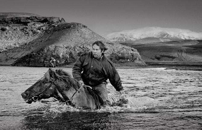 Ragnar Axelsson RAX - horse back