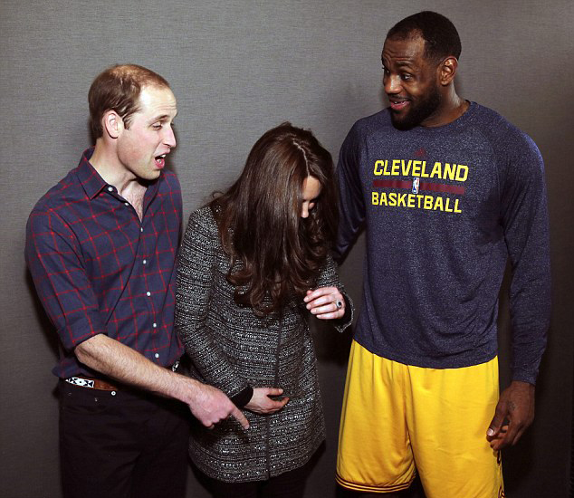 wholesale dealer 7887f 5d054 Lebron James Breaches Protocol By Putting His Arm Around ...